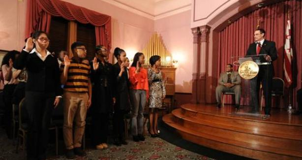 Mayor Gray swears in new DCYAC officers